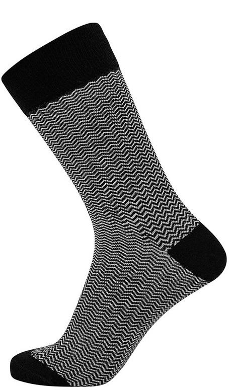 Jbs sokker med grå bølgede striber fra jbs fra shopwithsocks