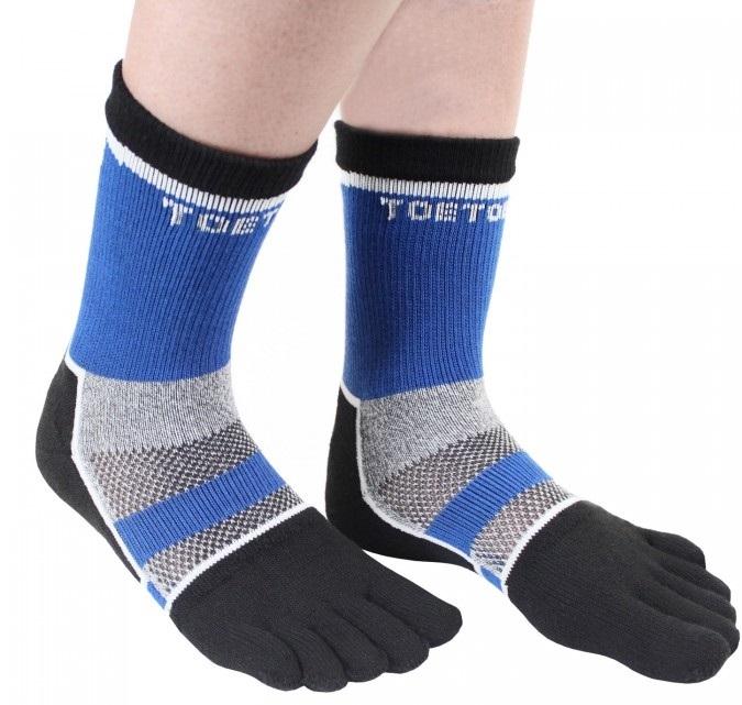 Cykelstrømper med adskilte tæer toetoe sports sort/blå - str. 44-47 fra toetoe fra shopwithsocks