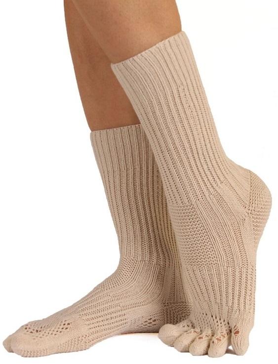 toetoe – Toetoe golfstrømper med adskilte tæer creme str. 44-47 på shopwithsocks