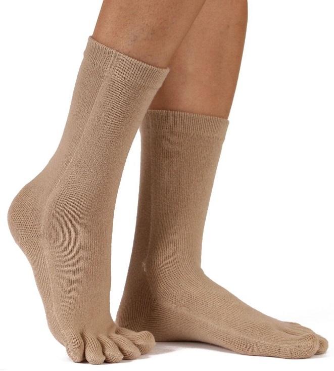 toetoe Toetoe essential mid-calf tåstrømper brun str. 35-46 på shopwithsocks